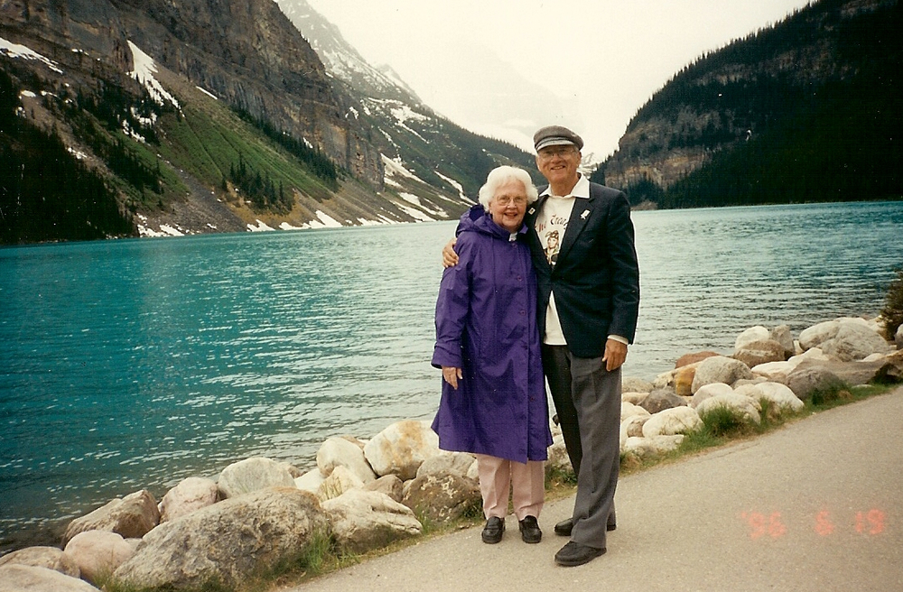 Grandma and Grandpa traveling