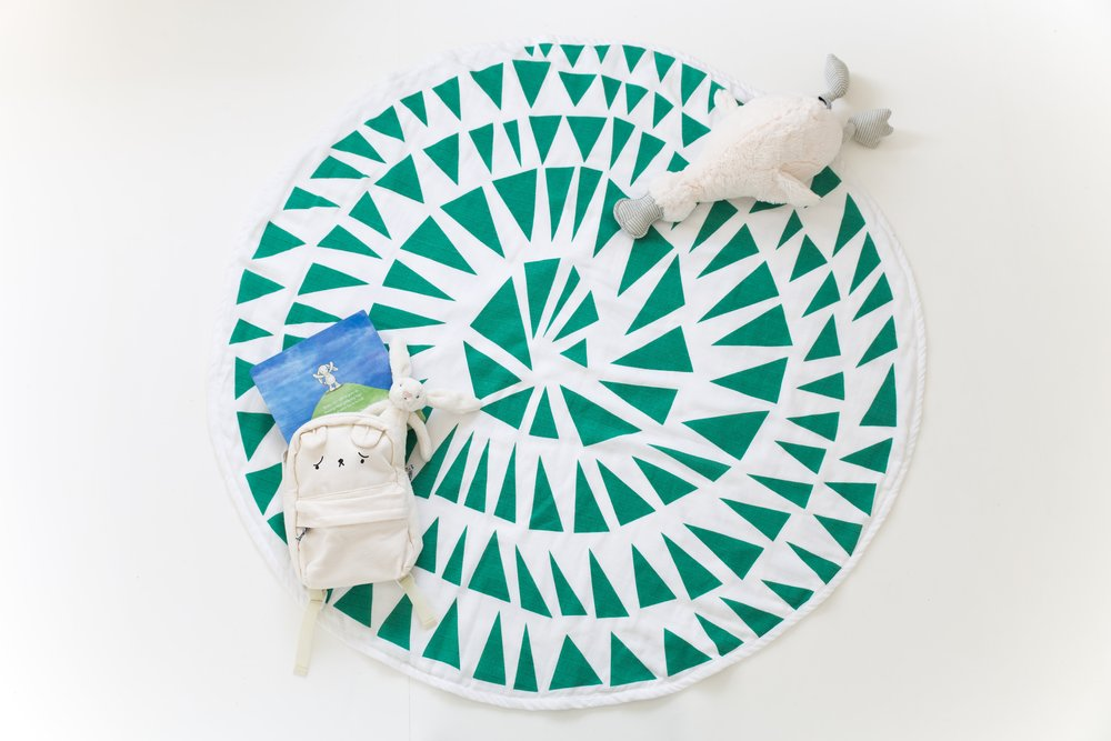 TRIANGLE ROUND PLAYMAT - reversible