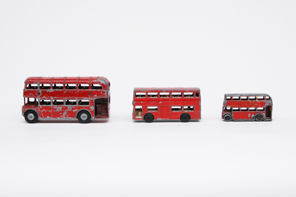thingsmagazine :      London Buses , a collection by Kate Farley, presented at  Obsessionistas , a website about collections     Obsessionistas is a cool site. Have a collection (of whatever)? Submit stuff  here .