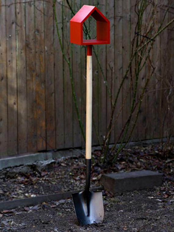 Via  szymon :      shovel birdhouse  by Jan Habraken
