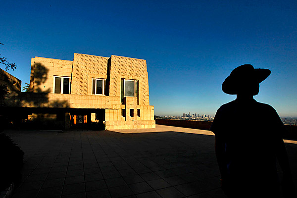 Wright matters:     Dramatic, historic and prices slashed, yet no buyers are biting - chicagotribune.com    In Los Angeles, Frank Lloyd Wright's Ennis House and La Miniatura  remain on the market, despite significant price reductions/buyer incentives. Begs the architectural stewardship question: Who  is willing and able to take care of these historic homes?   [hat tip to  @ChiArchitecture ]   Related: June 2009  post .