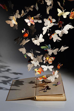 Via  libraryland :     Su Blackwell Book Sculpture:  Hope