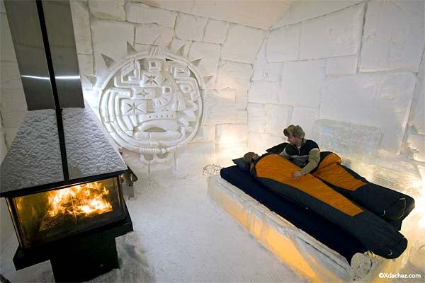 Today's diversion , via Los Angeles Times:  Slideshow  of images of the Ice Hotel (a.k.a. Hotel de Glace, near Quebec City), which reopened this week thanks to favorable Canadian winter conditions.   (Timely reminder to Texas and other southern U.S. friends: Our imminent 20-degree temps pale in comparison to those endured by Quebecers.)   Photo credit: @Xdachez.com