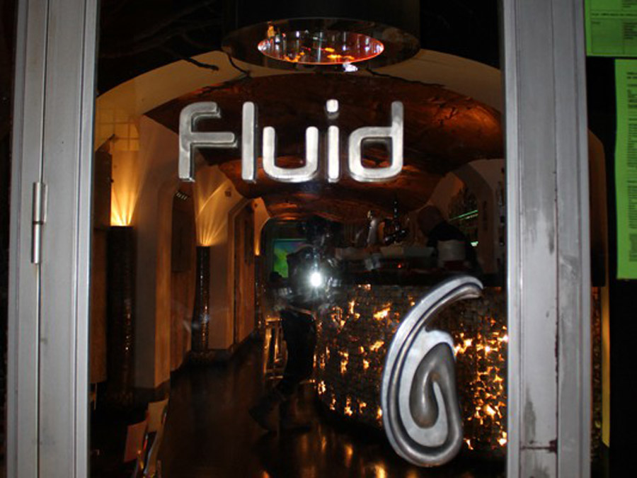 4-Fluid-Wine-Cocktail-Bar-Rome.jpg