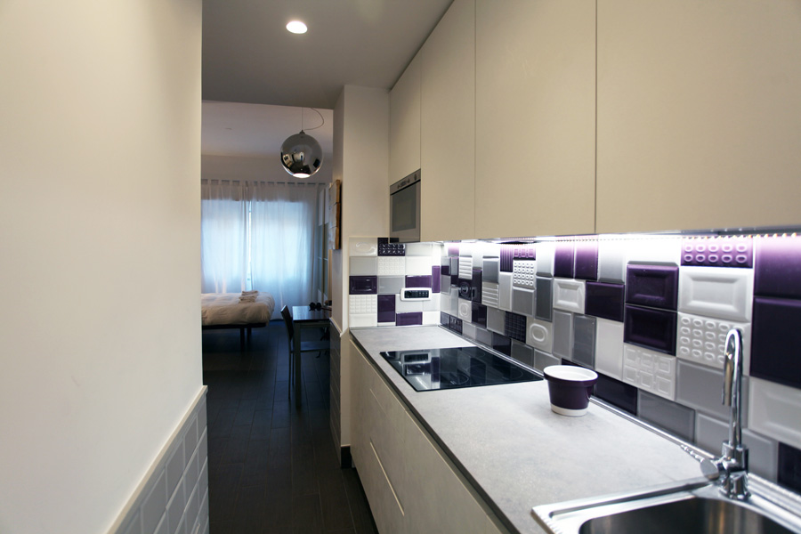 6-Plum-Apartment-Renovation-Rome-centre-St-Peter-Purple-Home.jpg