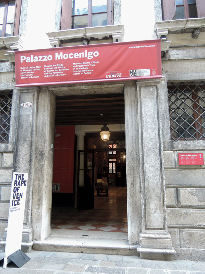 1-Venice-Women-s-Day-2016-Visit-Palazzo-Mocenigo-Museum-Purple-Home-News.jpg