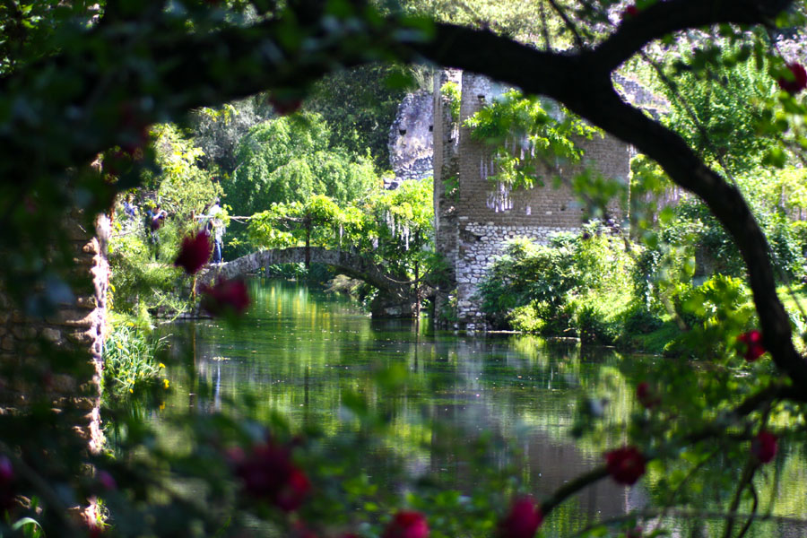 3-Garden-of-Ninfa-most-romantic-botanical-garden-Italy-Rome-Purple-Home-News.jpg