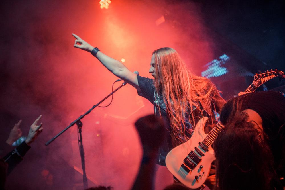 Юрий Рогов — гитара, вокал