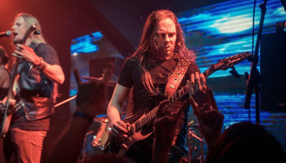 Виталий Голованов — гитара, магия