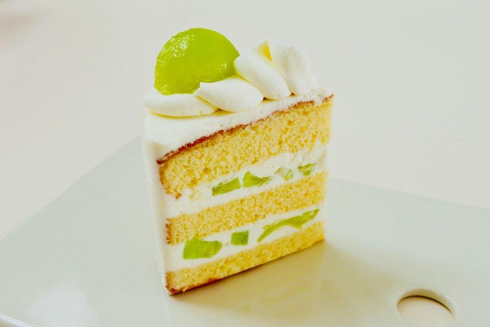 メロンショートケーキです。乙女メロン版は今月のみのご提供となります。