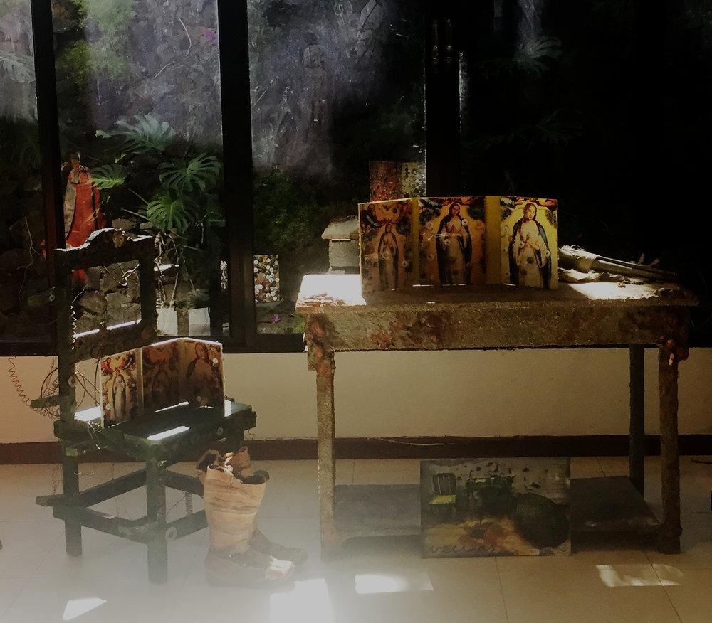 """Image: Props from """"Vecinas"""" Play. Moby Dick Theater, designed by Sarbelio Henríquez. 2008. Courtesy the artists.    Imagen: Utilería de la obra """"Vecinas"""", 2008. Moby Dick Teatro, diseño por Sarbelio Henríquez."""