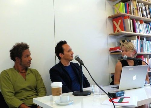 Artist and book co-editor Simón Vega and Y.ES Founder Mario Cader-Frech being interviewed by Y.ES Director and book co-editor Claire Breukel.  Artista y co-editor del libro Simón Vega y el fundador de Y.ES Mario Cader-Frech siendo entrevistados por la directora y co-editora del libro Claire Breukel.