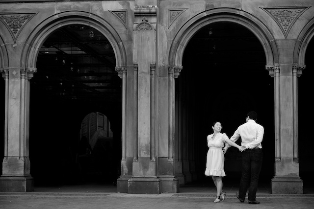 engagement session photo in New York's Central Park