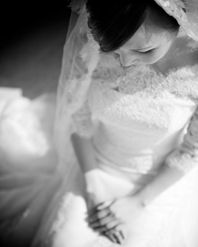 HK wedding bride in white dress