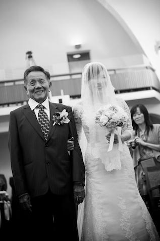 Hong Kong wedding, father gives away daughter