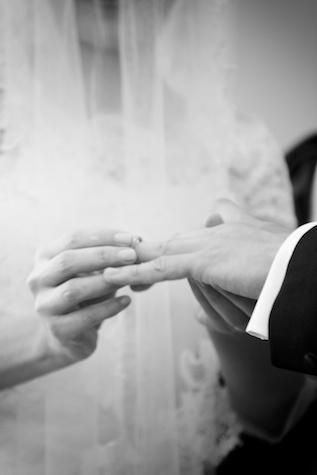 Hong Kong wedding exchange of rings