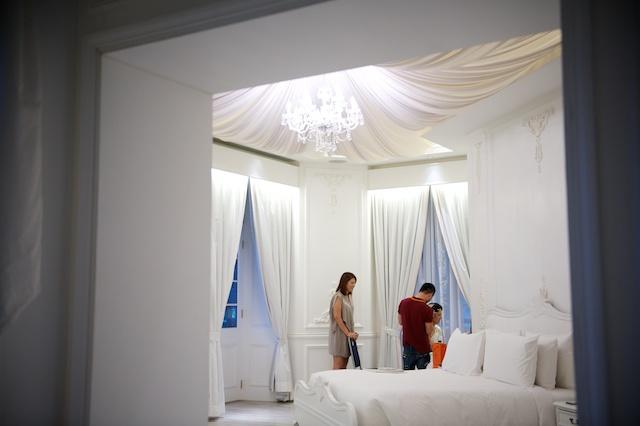 Hong Kong wedding bride prep makeup hullett house