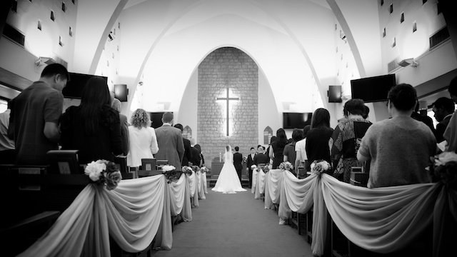 Hong-Kong-wedding-union-church-bride-groom-alter-vows-black-and-white