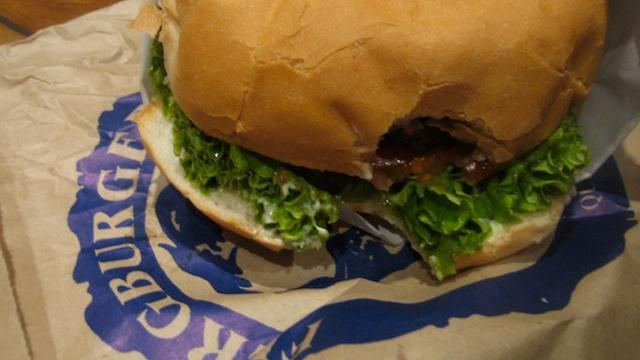 queenstown-new-zealand-ferburger-burger-lunch-pokerstars-snowfest-breakfast