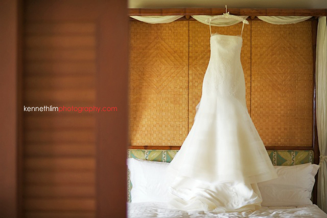 Kona Hawaii US Wedding outdoor bride gown dress morning preparations
