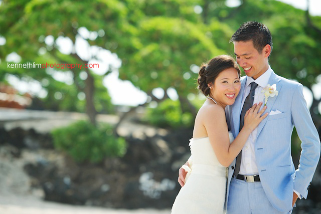 Kona Hawaii US Wedding outdoor bride groom portrait session