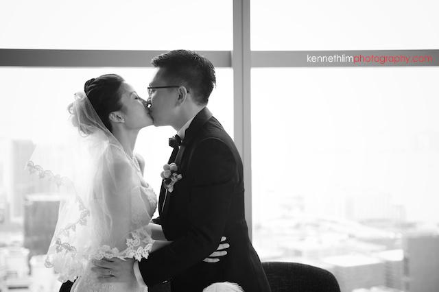 Hong Kong Wooloomooloo Prime wedding first kiss bride groom