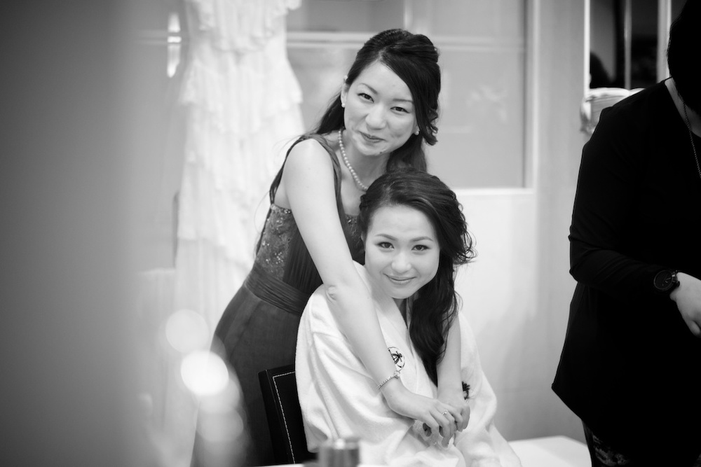 Hong Kong Beas River Country Club wedding photography bride with bridesmaid getting ready