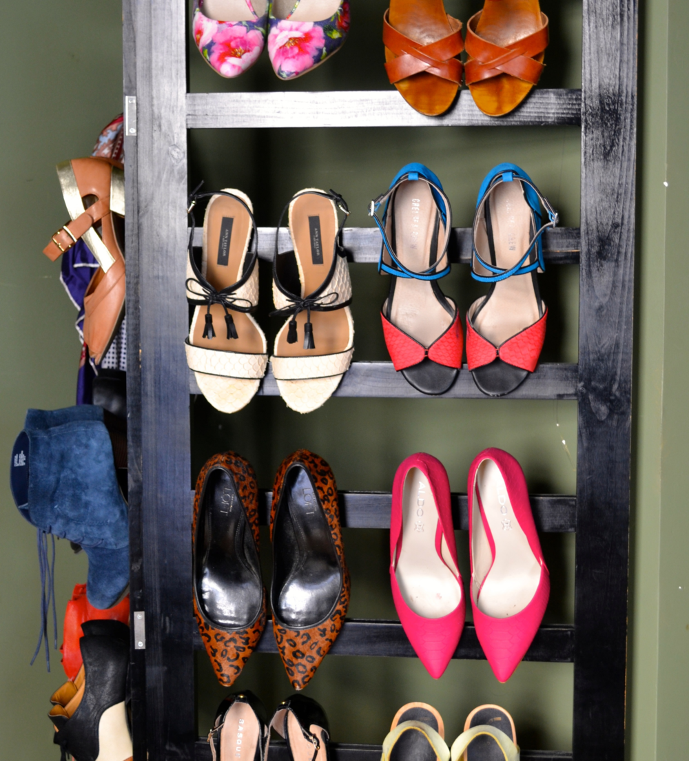wall-shoe-storage