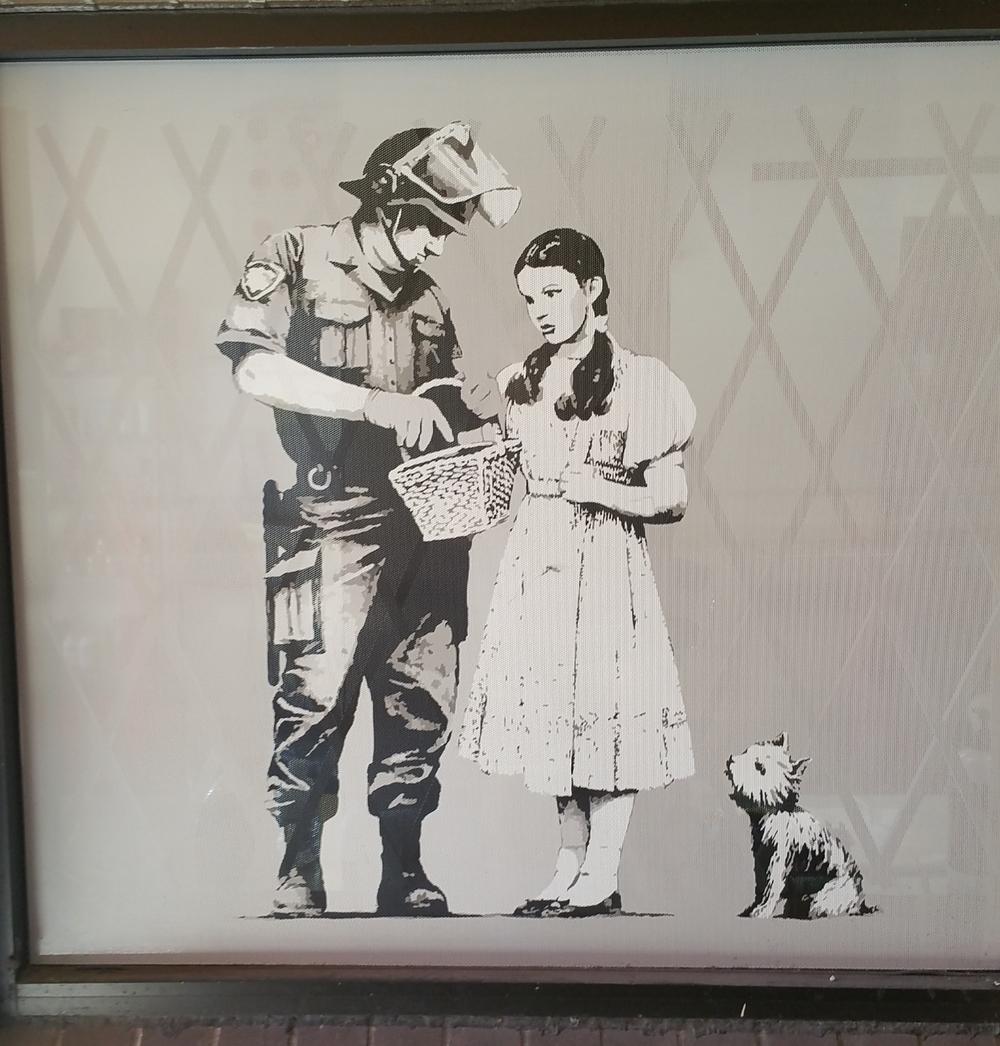 dorothy-graffiti-vancouver-canada