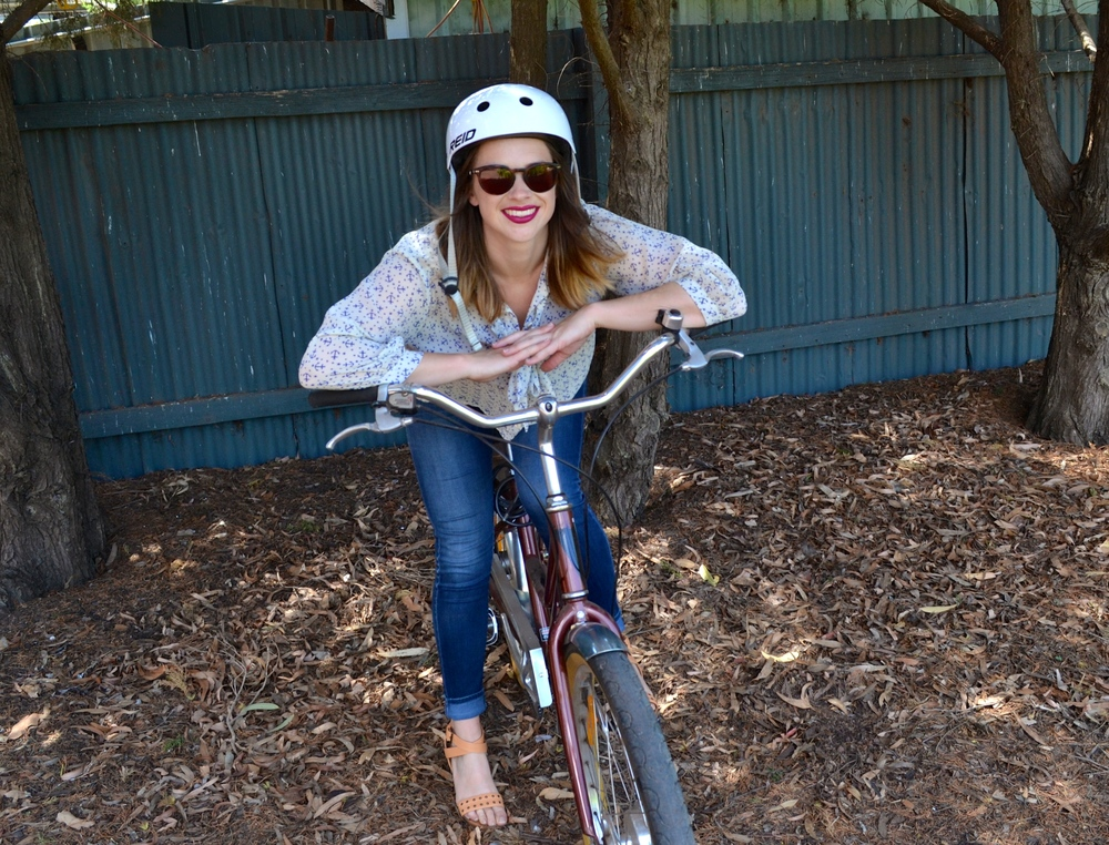 anchor-blouse-white-stack-hat-beach-cruiser-basket-bike