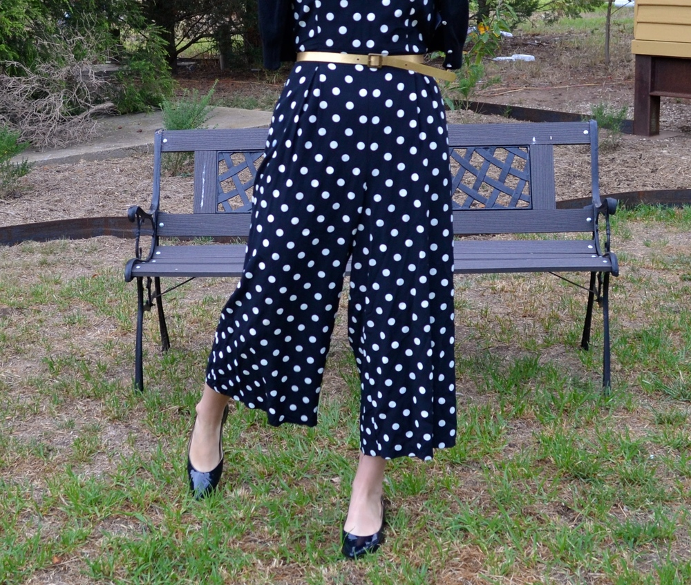 polka-dot-pants-gold-belt-black-patent-leather-flats