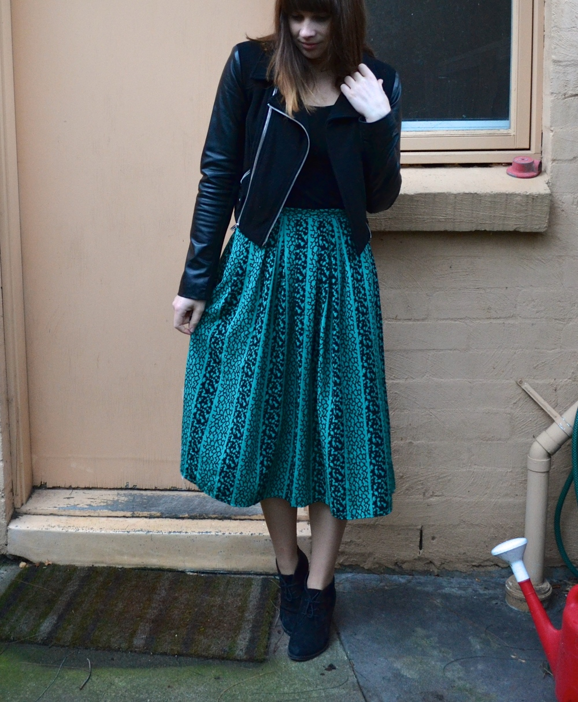 green-midi-skirt-vintage
