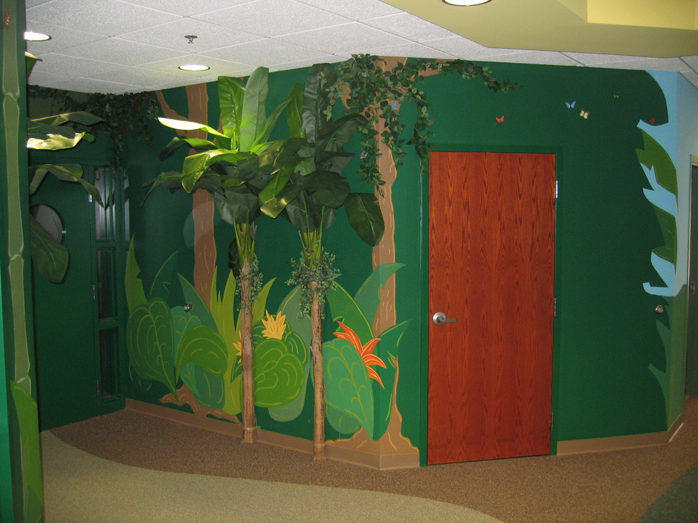 Jungle hallway.JPG