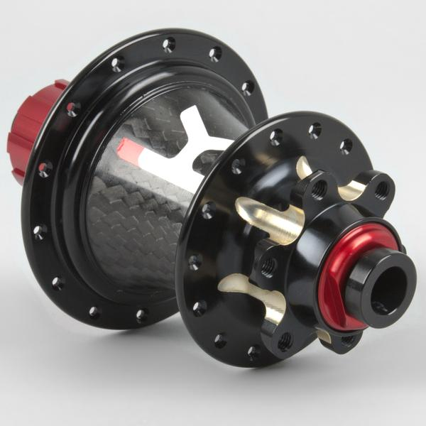 The Kappius KH-1.5 rear hub with a carbon centre. Easily removable end caps to change the OLD width.
