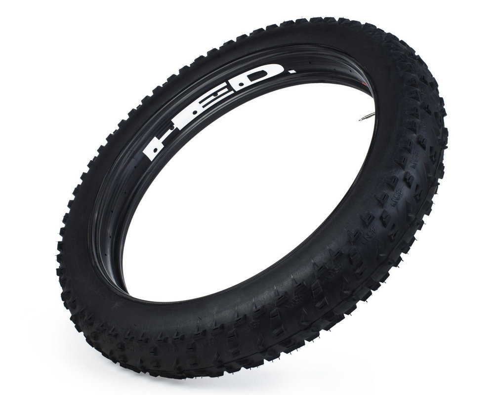 "The HED ""Big Fat Deal"". The BFD is a 100mm ultra wide carbon rim that weighs in at 500 grams! Hit the trails with a massive rubber foot print!"