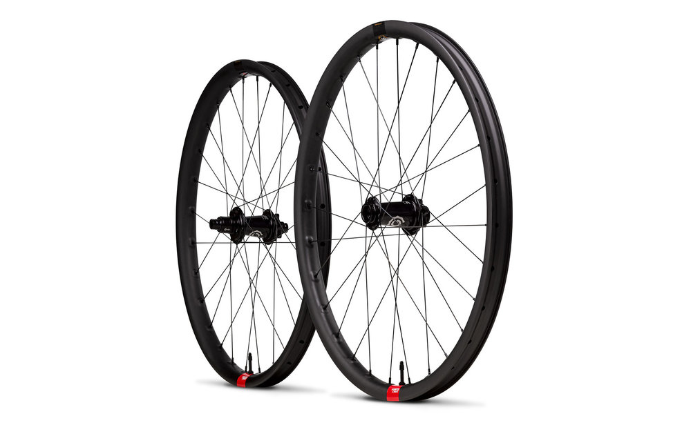 s1600_Santa_Cruz_Reserve_Carbon_Wheels.jpg