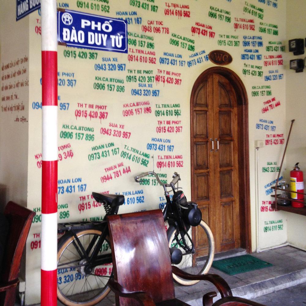 50 Cafe_Hanoi.jpg