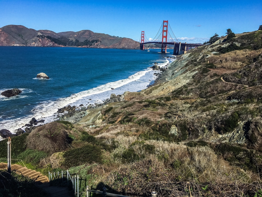View of the Golden Gate Bridge from the Batteries to Bluffs Trail