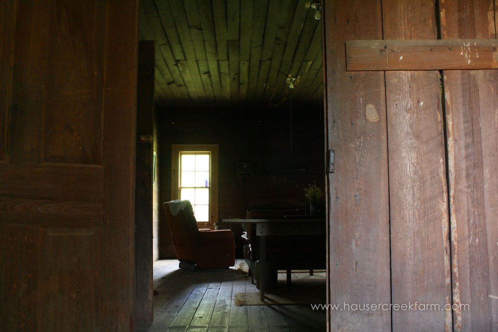 inside-horn-house-at-hauser-creek-farm-photo-by-annie-segal-4393.jpg