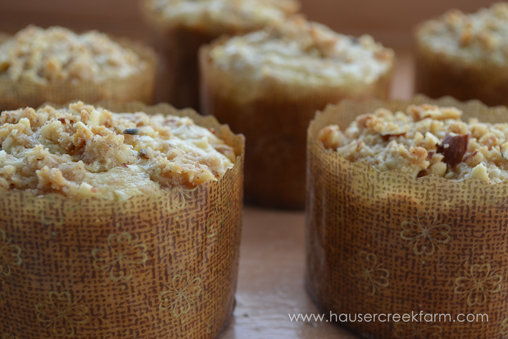 Peaches 'n lavender muffins with streusel topping