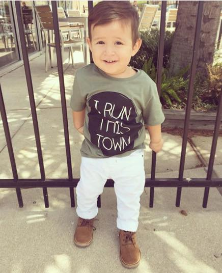 @liam.a.nunez In a  HM  tee and  Zara Kids  white denim pants.