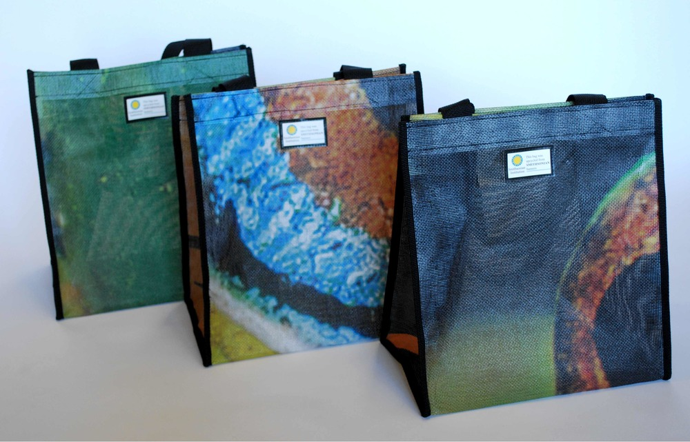 Smithsonian Institution banner bags