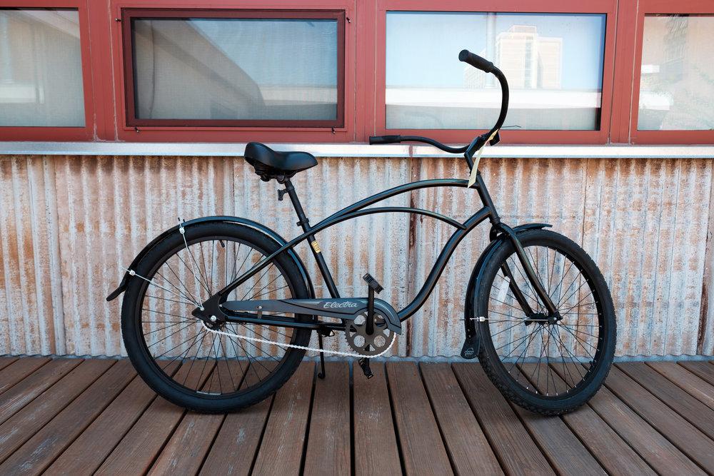 45cm Black Electra Cruiser - $200