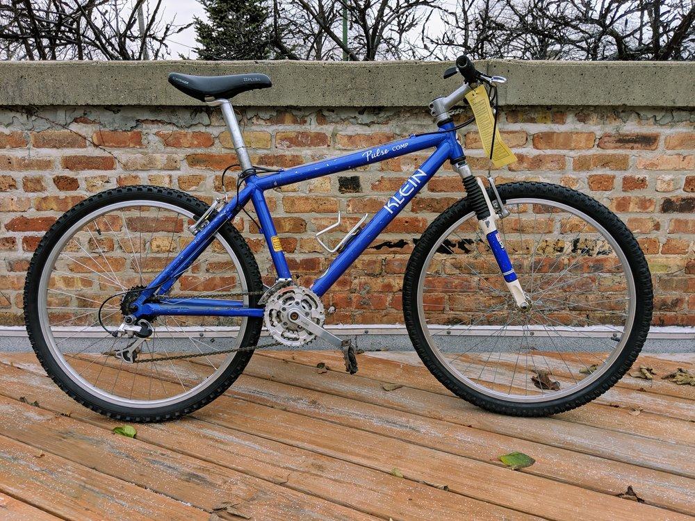 42cm Blue Klein Pulse Comp $285