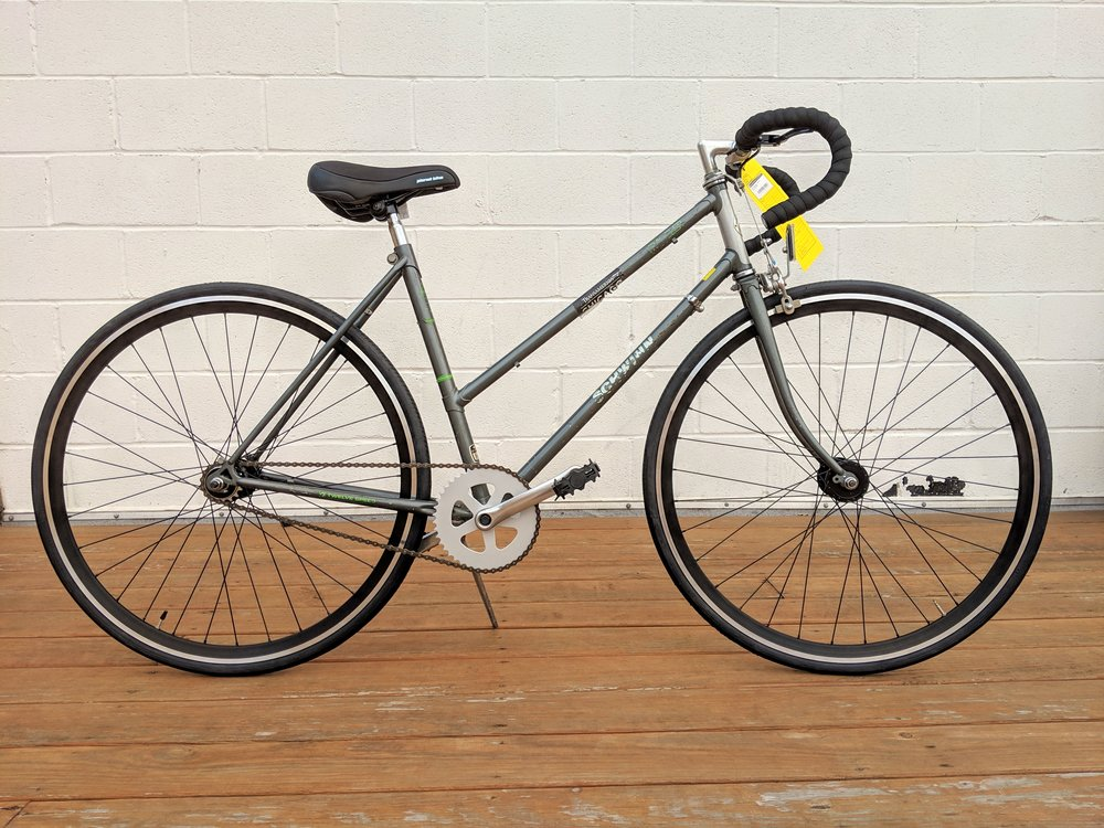 48cm Grey Schwinn Traveler Single Speed $270