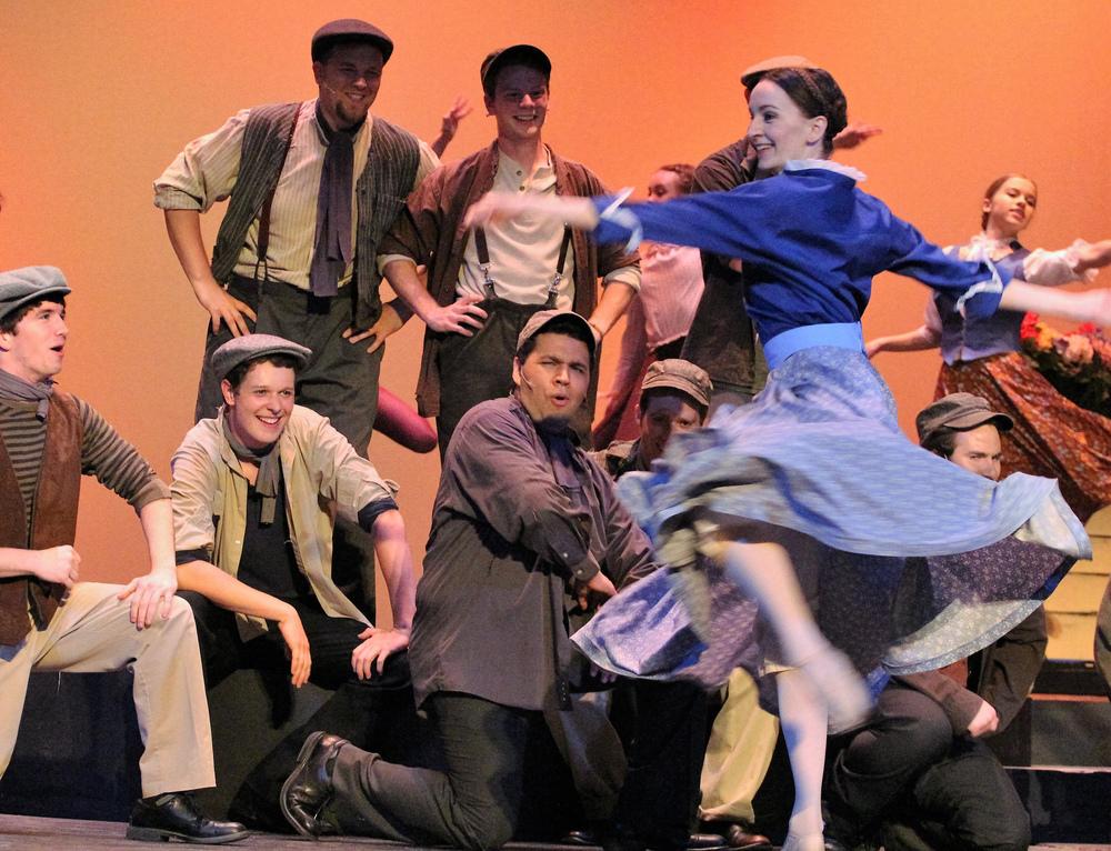 Megan MacLeod as Hannah, dances the Hornpipe