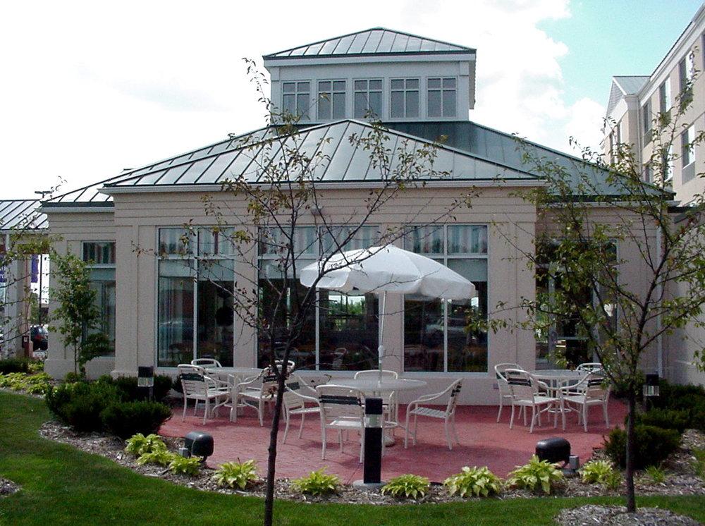 Hilton Shoreview 01 ext.JPG