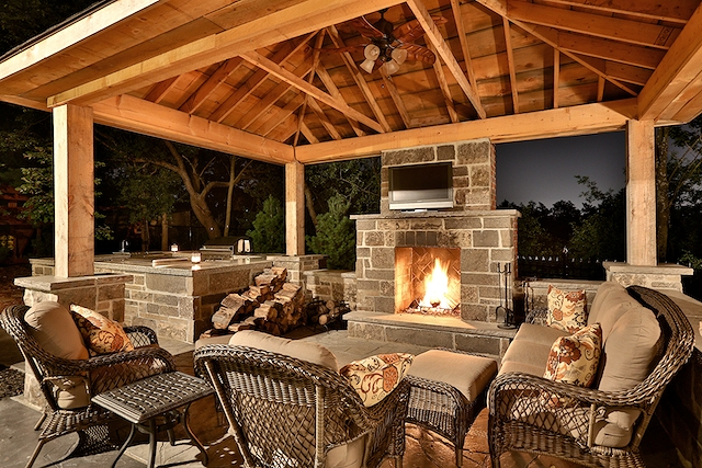 Outdoor Fireplace - Gazebo