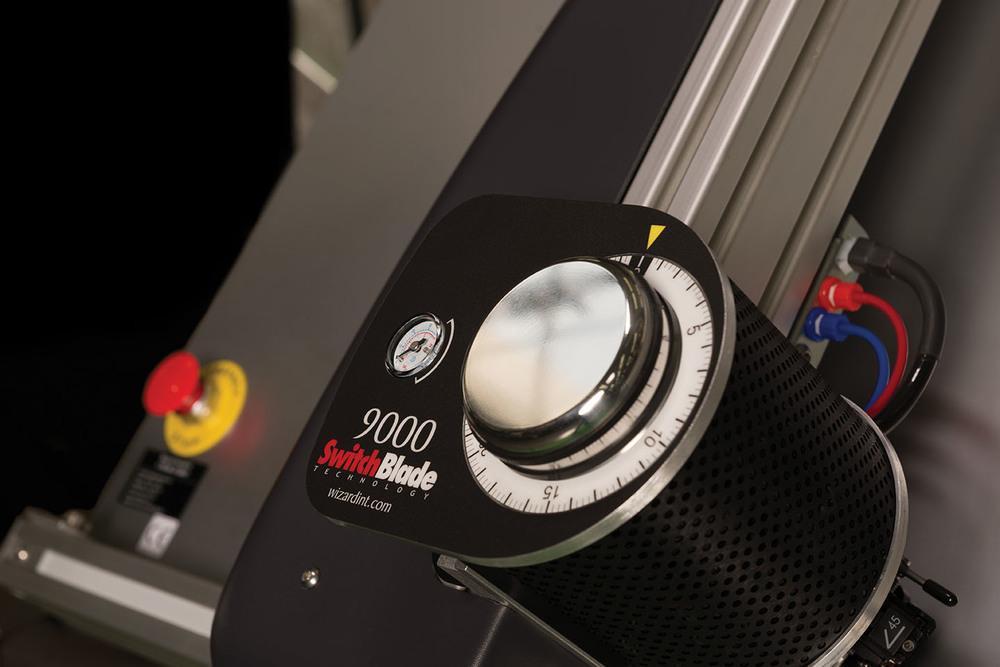 CMC9000_closeup_RGB.jpg