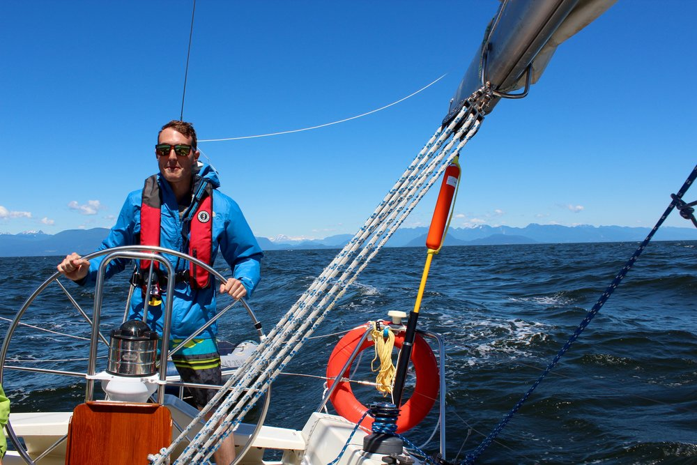 Dawson started his sailing life in March by taking a Competent Crew course with us. Now a full-fledged sailing addict, he has been a committed member of the Apprentice Program for the whole season.
